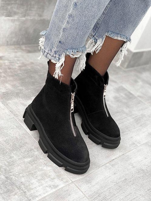 Черные натуральные замшевые ботинки с молнией спереди фото