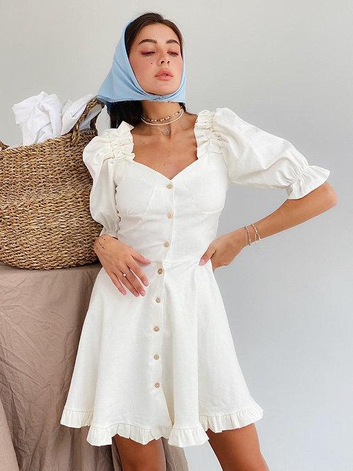 Молочное льняное короткое платье с рукавами буффами фото