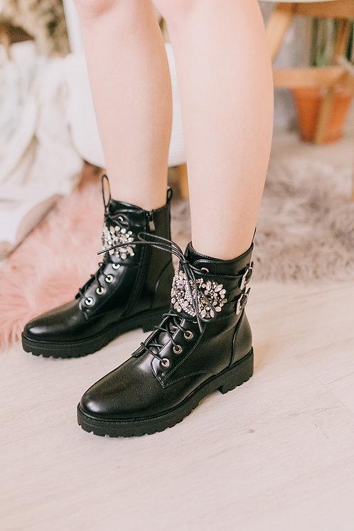 Черные ботинки на шнурках с украшениями из камней Италия фото