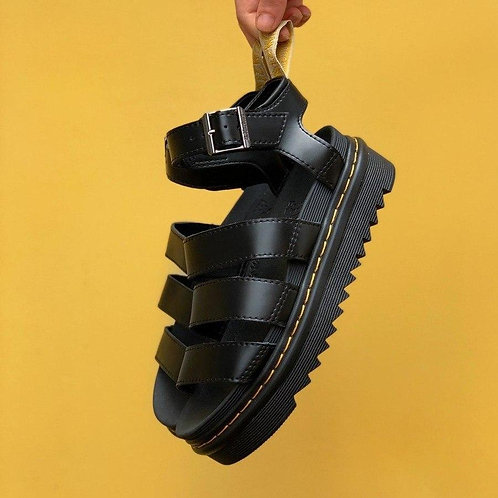 Черные босоножки на платформе Dr. Martens Sandals Black фото