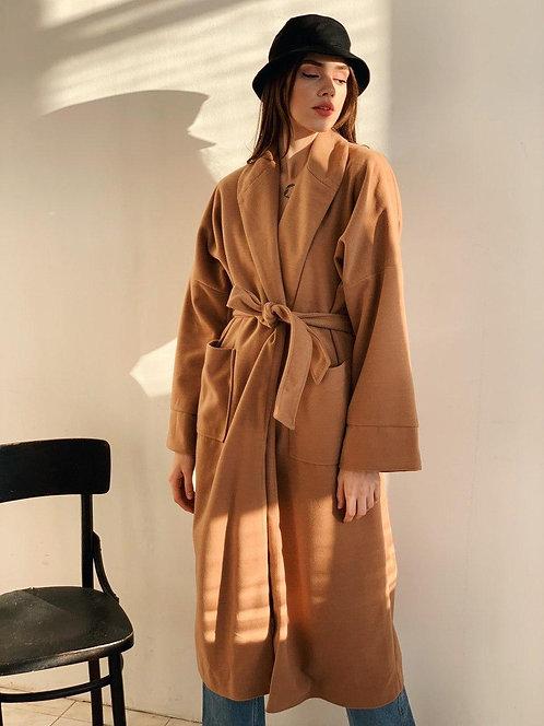 Демисезонное пальто camel свободного кроя на запах фото