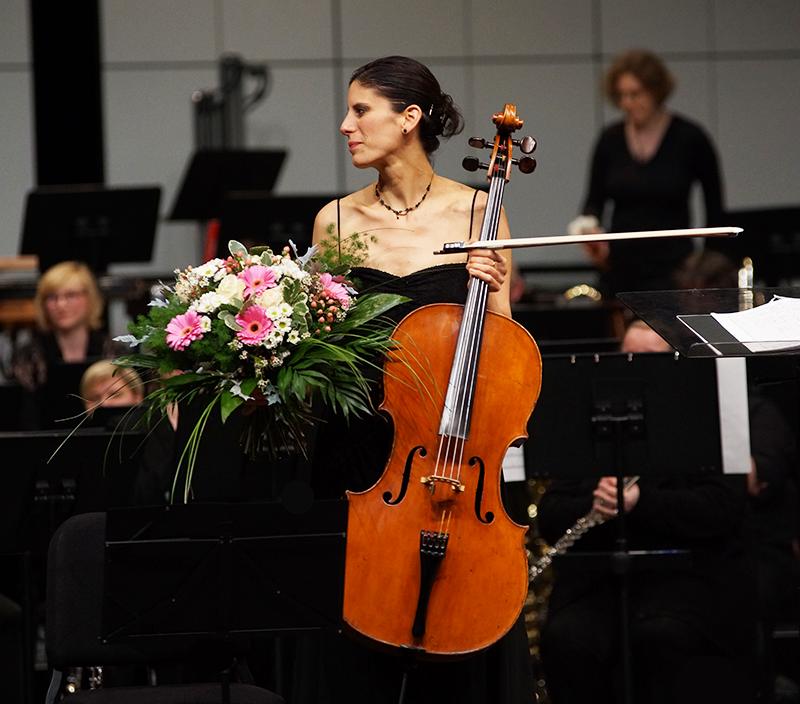 Hila Karni cellist