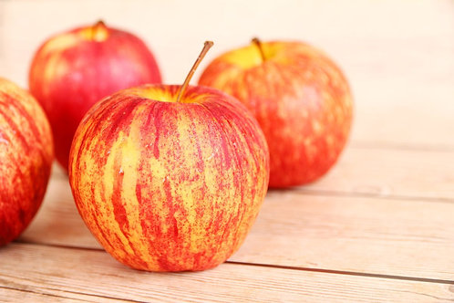Honey Crisp Apples (2.5 lb bag) - Swooping Swallow Farm