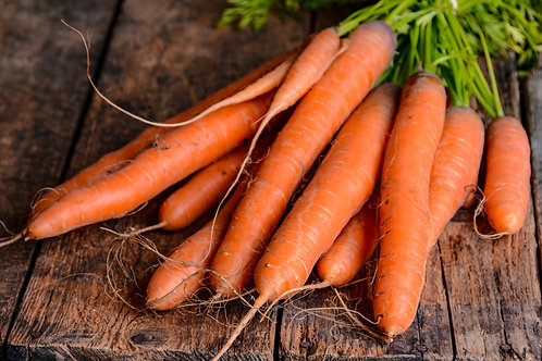 Carrots (1lb) - Tina Friesen