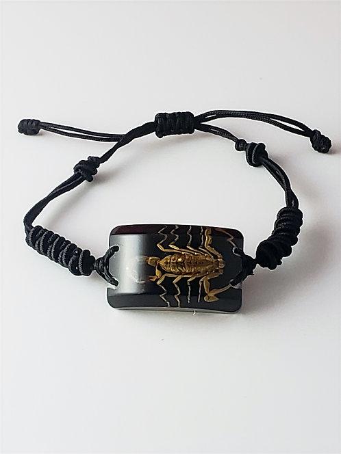 Bracelet Rectangulaire Scorpion Doré