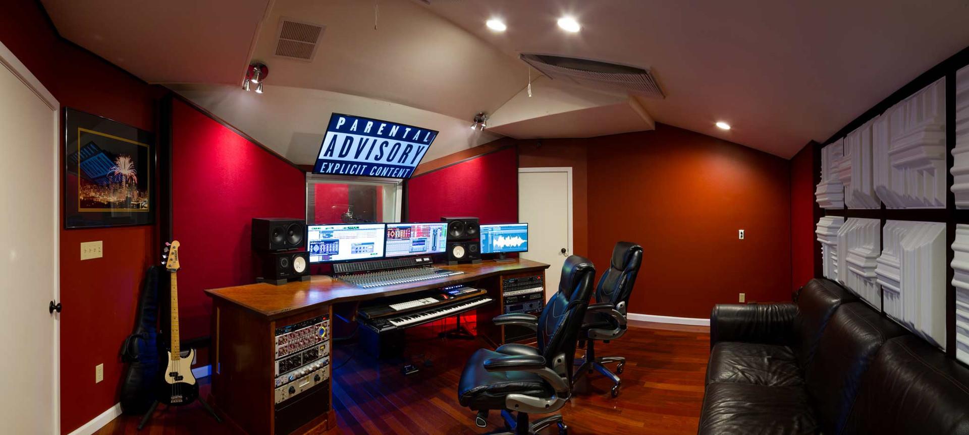 Undercaste-Studios-Control-Room-6.jpg