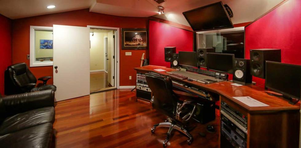 Undercaste Studios Control Room 3.jpg