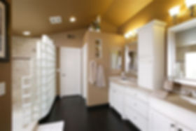 Spa bathroom glass block open shower