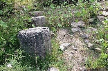 Κίονες αρχαίου ναού Άτραξ