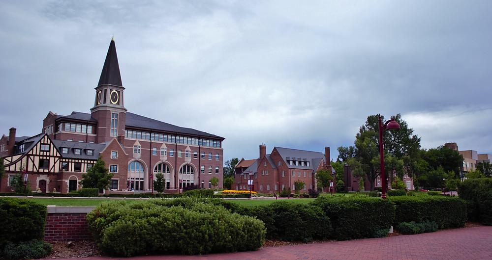 Sturm College of Law | © Coopersmith, Wikimedia