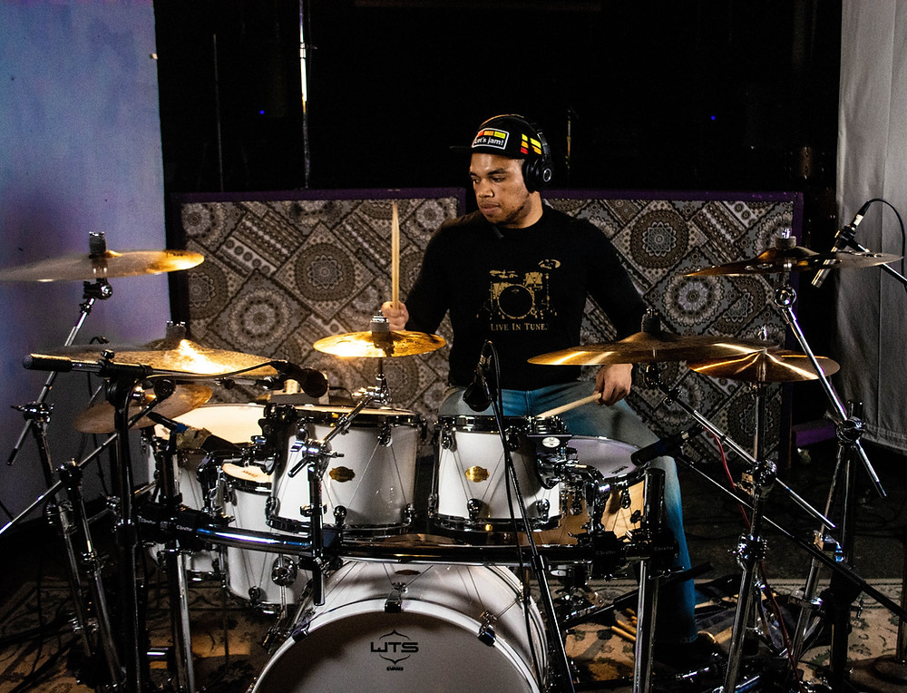Four Reasons to Learn to Drum in 2021 - burn calories while playing drums