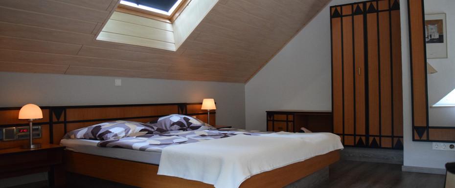 Doppelbett auf Galerie-Etage