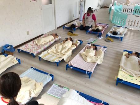 午睡の様子 福岡県飯塚市 飯塚ママー保育園