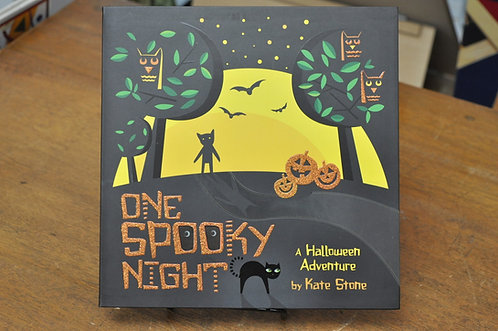 One Spooky Night,A Halloween Adventure,Kate Stone,ケイト・ストーン,洋書絵本,ハロウィン,絵本,童話,古書,古本,千葉,佐倉,アベイユブックス