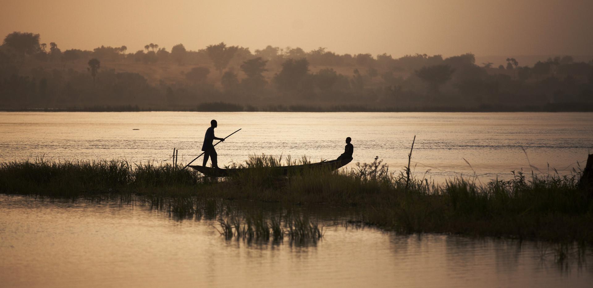 Pêcheurs sur le fleuve Niger