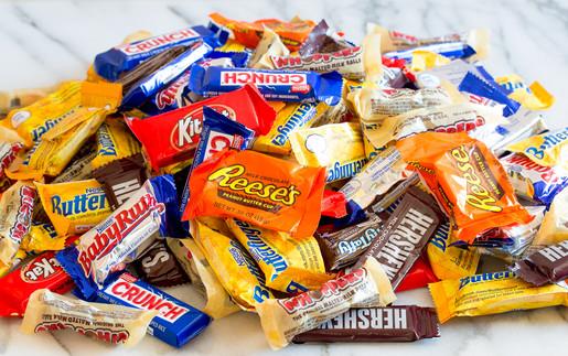 10-ways-to-use-up-halloween-candy-01.jpg