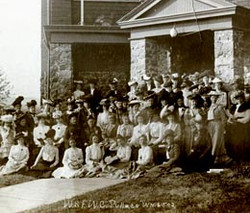 Pullman_StevensHall-WaStateFederation-of-WomensClubs-1902.jpg