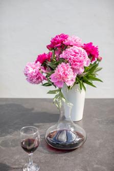 Blumen mit Wein