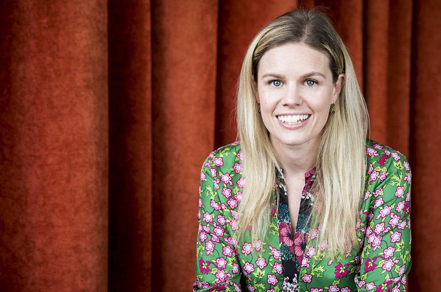 Victoria Mackinlay childrens author head