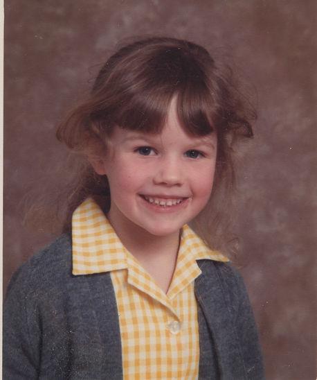 Victoria Mackinlay as a girl in school u