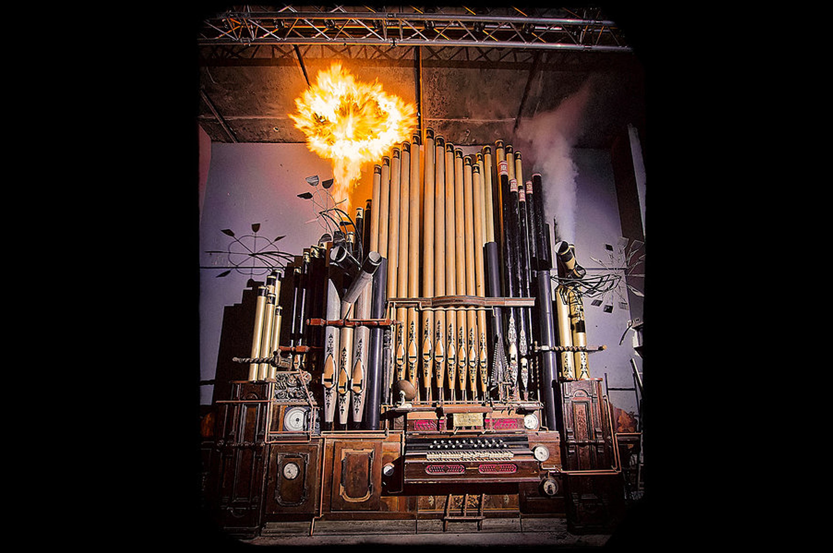Dis-Organ. Mode. London. 2014