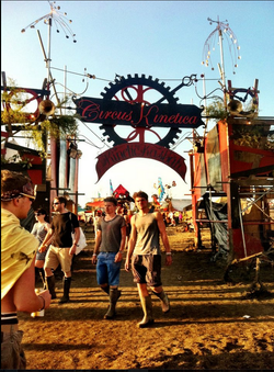Circus Kinetica- Kinetic Kasbar - Secret Garden Party - 2012