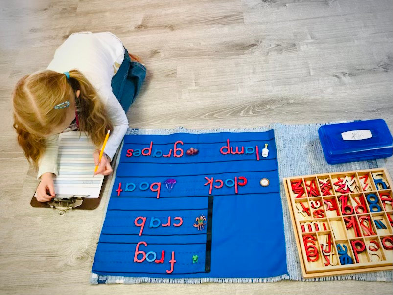 Moveable Alphabet with 3-dimensional objects.jpg