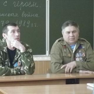 На фото-земляки-воины-интернационалисты.