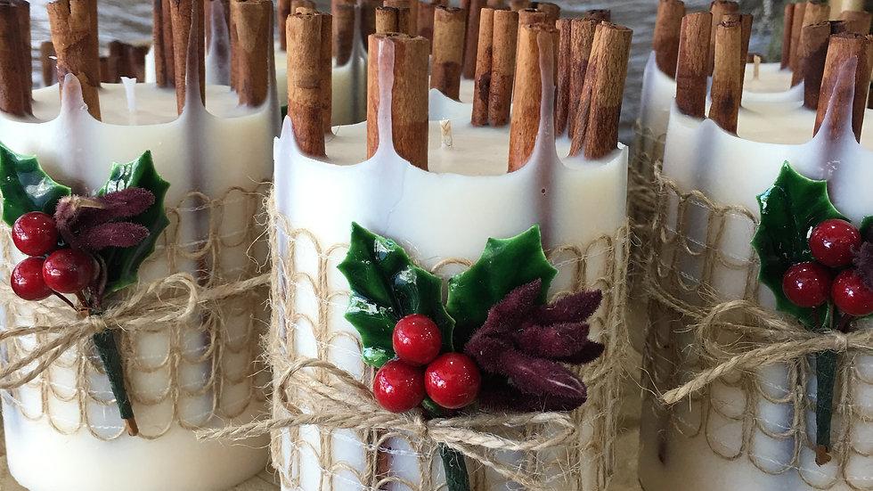 Christmas Candle with Cinnamon sticks ( Large )