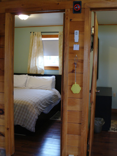 Each cottage has 2 bedrooms with queen size beds.