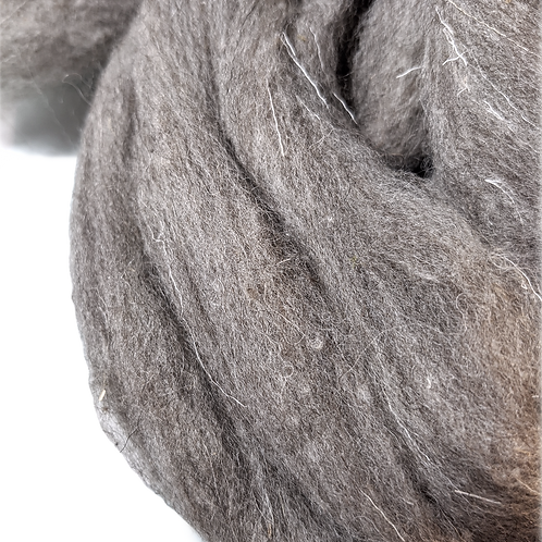 Henrietta - 29.5 micron grey roving - 4 oz