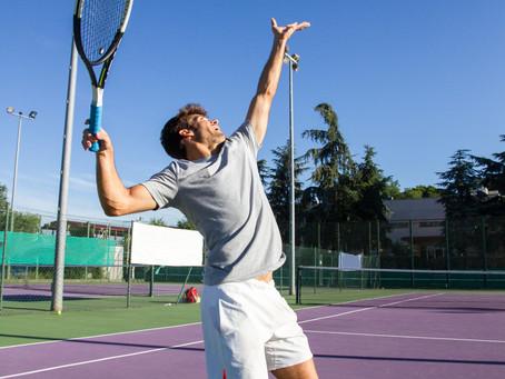 テニスサーブのパフォーマンスを上げるための動き