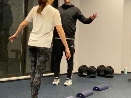綺麗にみられるための歩き方のトレーニングポイント  【お尻、背中、腹筋を正しく使う方法】
