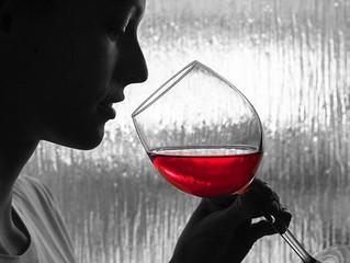 Mulheres são melhores degustadoras de vinhos, sugere pesquisa.