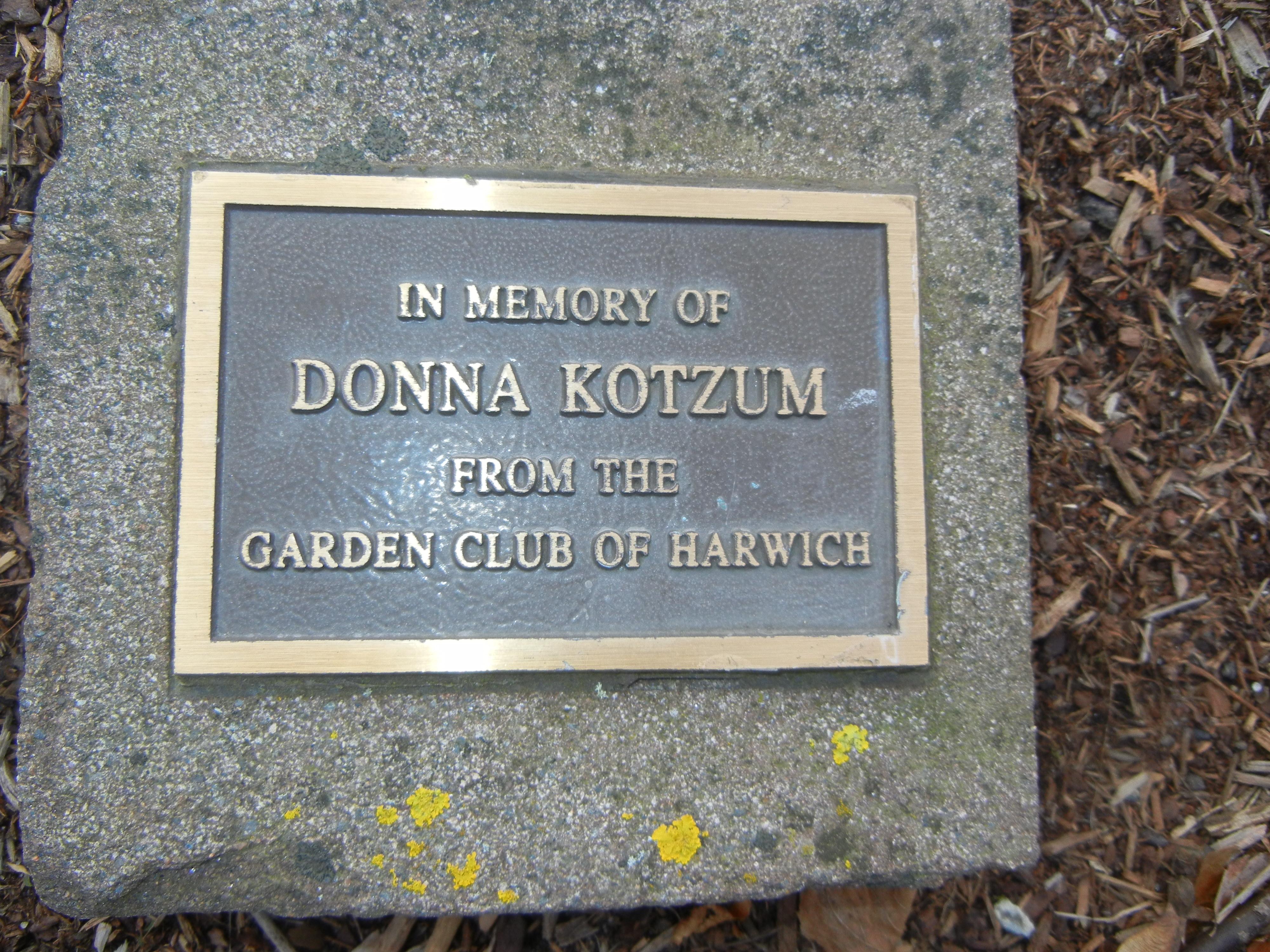 garden club memorials 6