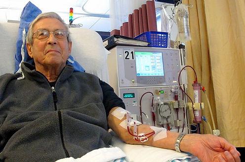 Patient_receiving_dialysis_03.jpg