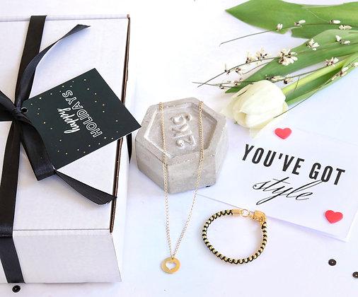 רותם ברנר | מארז מתנה | מתנות לחג | מתנות לאשה | תכשיט במתנה|   שרשרת לב סופי + צמיד שילה יחיד