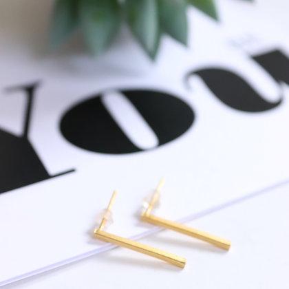 Rotem Brenner Jewelry | רותם ברנר | עגיל ליב | עגיל מוט זהב