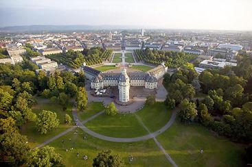 Schloss-Karlsruhe_front_magnific.jpg