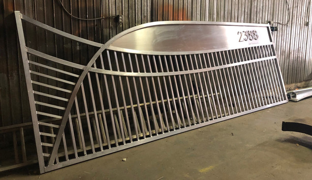 custome gates 2.jpg