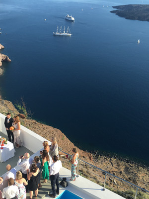 Small Hotels in Santorini for groups