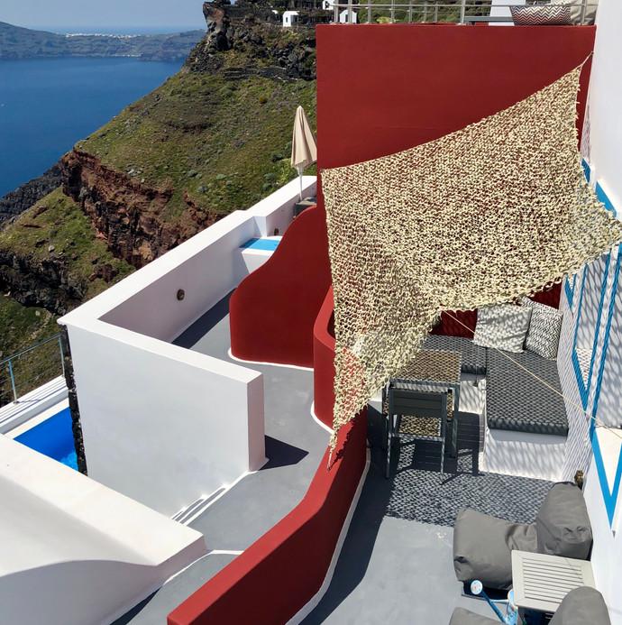 cliff-side private terrace in Imerovigli