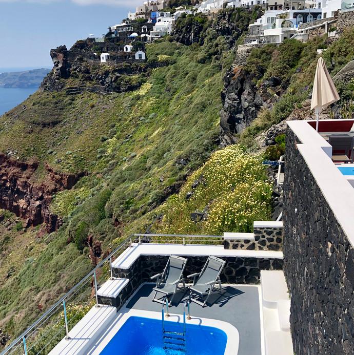 Villa with pool in Santorini