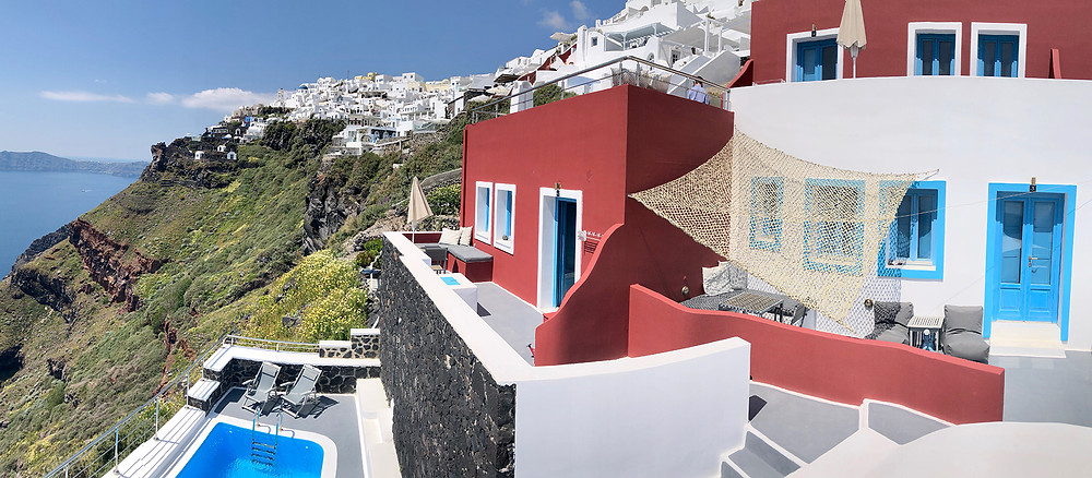 Cliff Hotels in Santorini with special offers