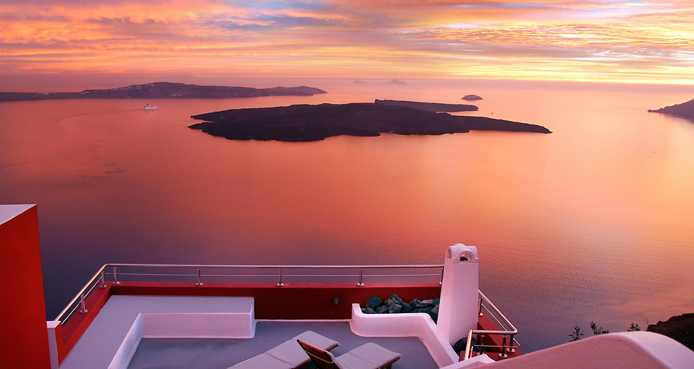 Hotel with sunset views in Santorini