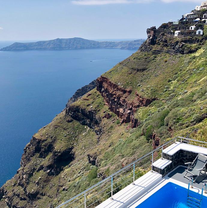 Cliff-side Pool in Imerovigli