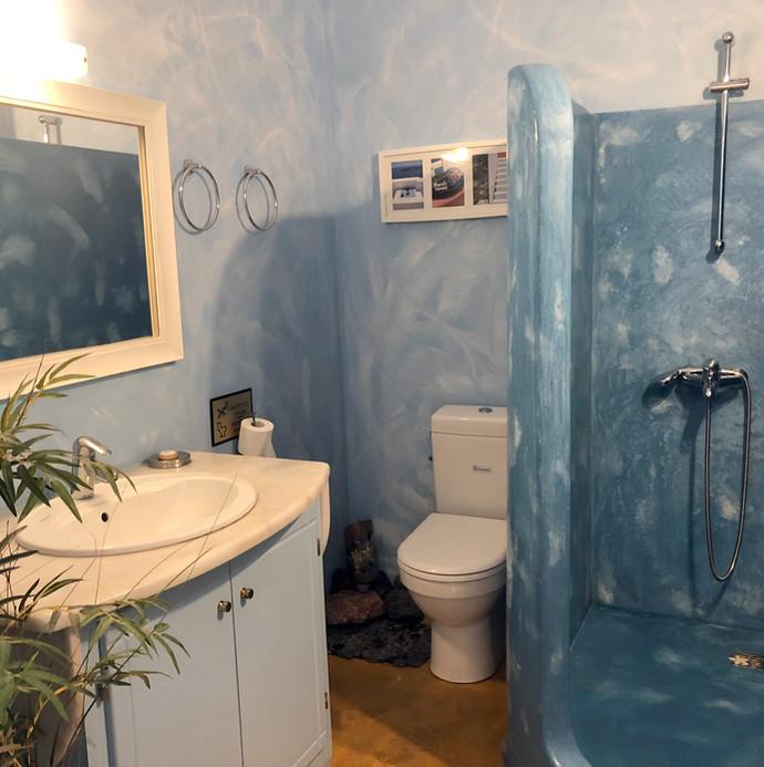 Tradtional bathroom in Santorini