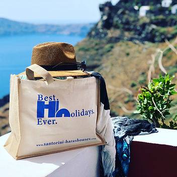 Cliff hotel for groups in Santorini