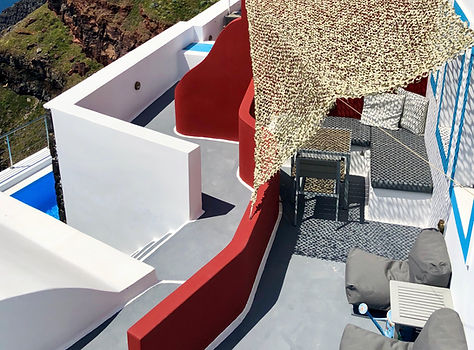 Cliff villa in Santorini with caldera view