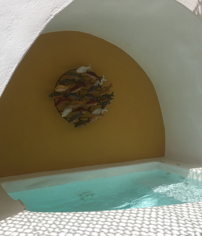 Private outdoor jacuzzi in Santorini